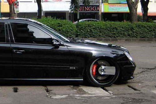 E class mercedes benz white car gallery forgiato for Mercedes benz e350 black