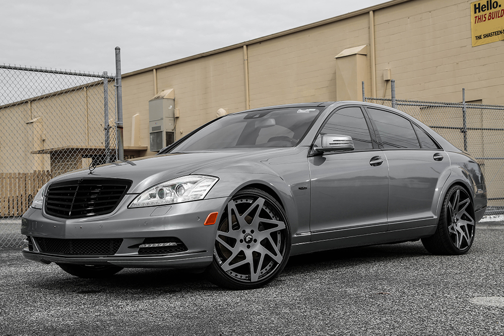 Mercedes benz s550 on finestro ecl for Mercedes benz twitter