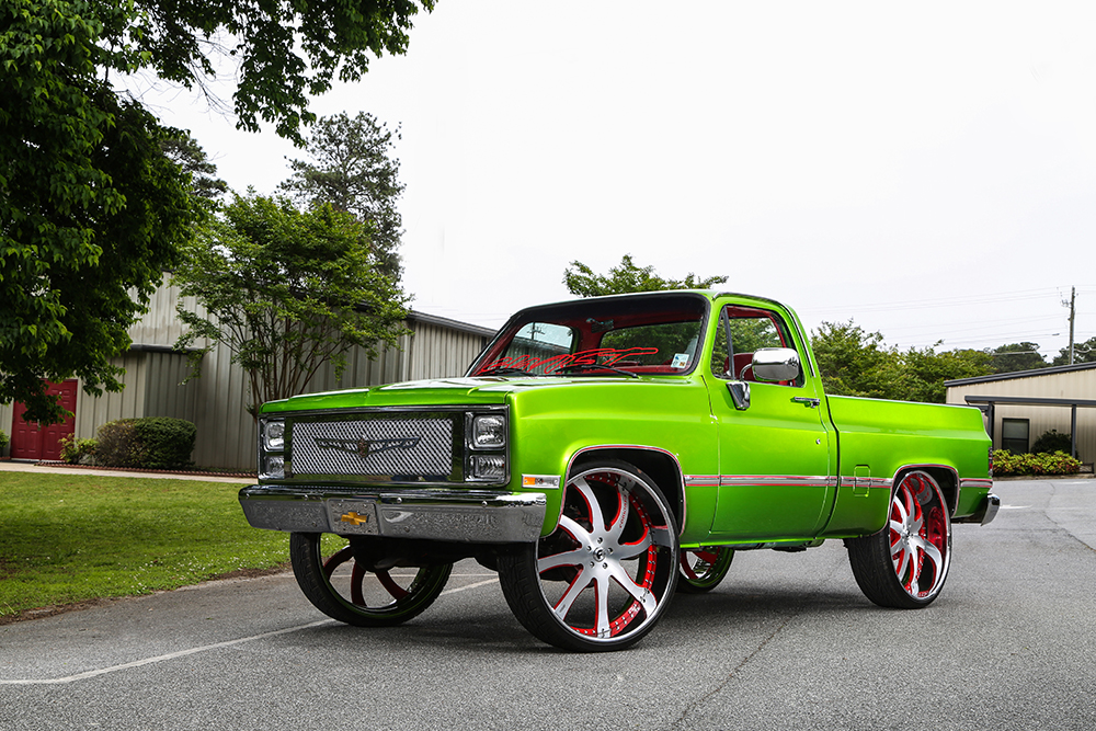 "Sweet Toothed Silverado On 30"" Quattresimo"