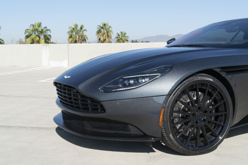 Aston Martin Db9 On TEC 2.3