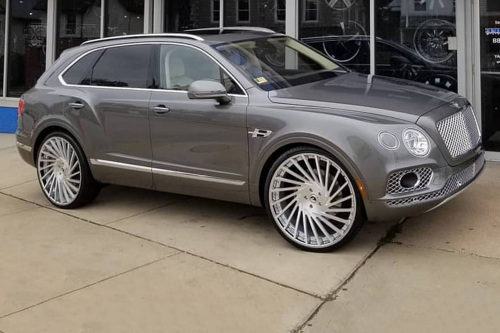 Bentley Bentayga On Ventoso-ECL