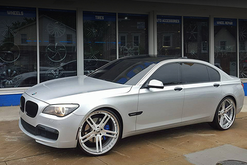 Bmw 7 Series On Pianura