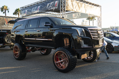 Cadillac Escalade On Gambe-1