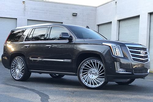 Cadillac Escalade On Ventoso-ECL