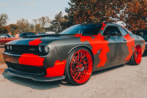 Dodge Challenger On Twisted Maglia-FF