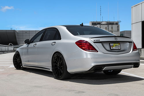 Mercedes-benz S Class On Flangiato-M
