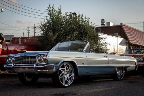 Old School Impala On Finestro