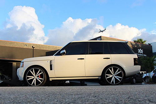 Range Rover Hse On Aguzzo-M