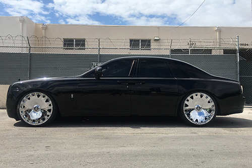 Rolls Royce Ghost On Enzo-M