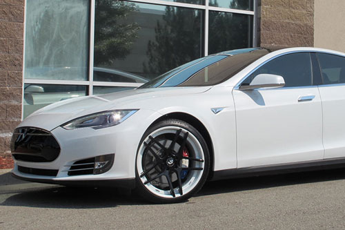 Tesla Model S On Dieci-ECL