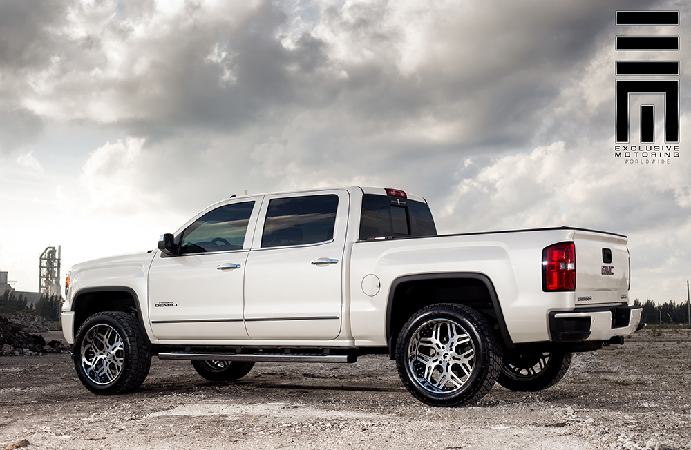 2015 GMC Sierra Denali on Off-Road Terra